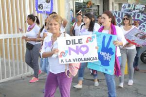 Caminata-Mujeres-Foto-Hector-Rattia600